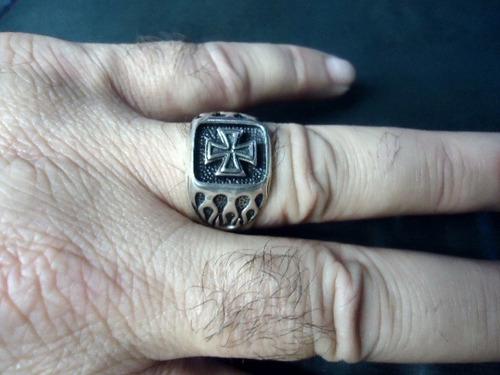 anel  em prata maciça 925 - cruz de malta e fogo