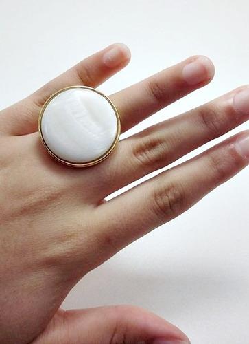 anel folheado a ouro - pérola shell