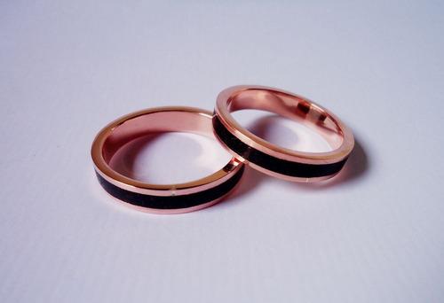 anel inlay cobre com pedras naturais ônix modelo reto 4 mm