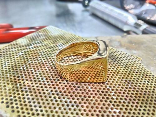 anel masculino (comendador) ouro 18k 750 13,77 gramas.