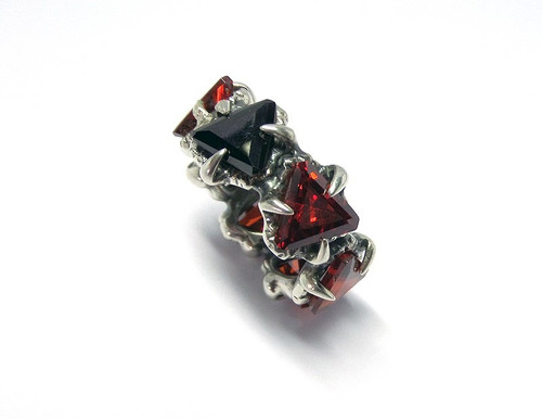 anel masculino gótico / medieval em prata - aros 25/26