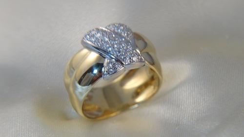 anel moderno ouro amarelo e branco cravejado de brilhantes