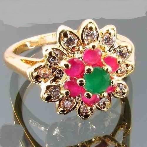 anel plated com cristal rubi e cristal esmeralda aro 16