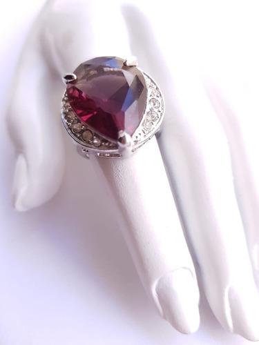 anel prateado pedra vinho elegante