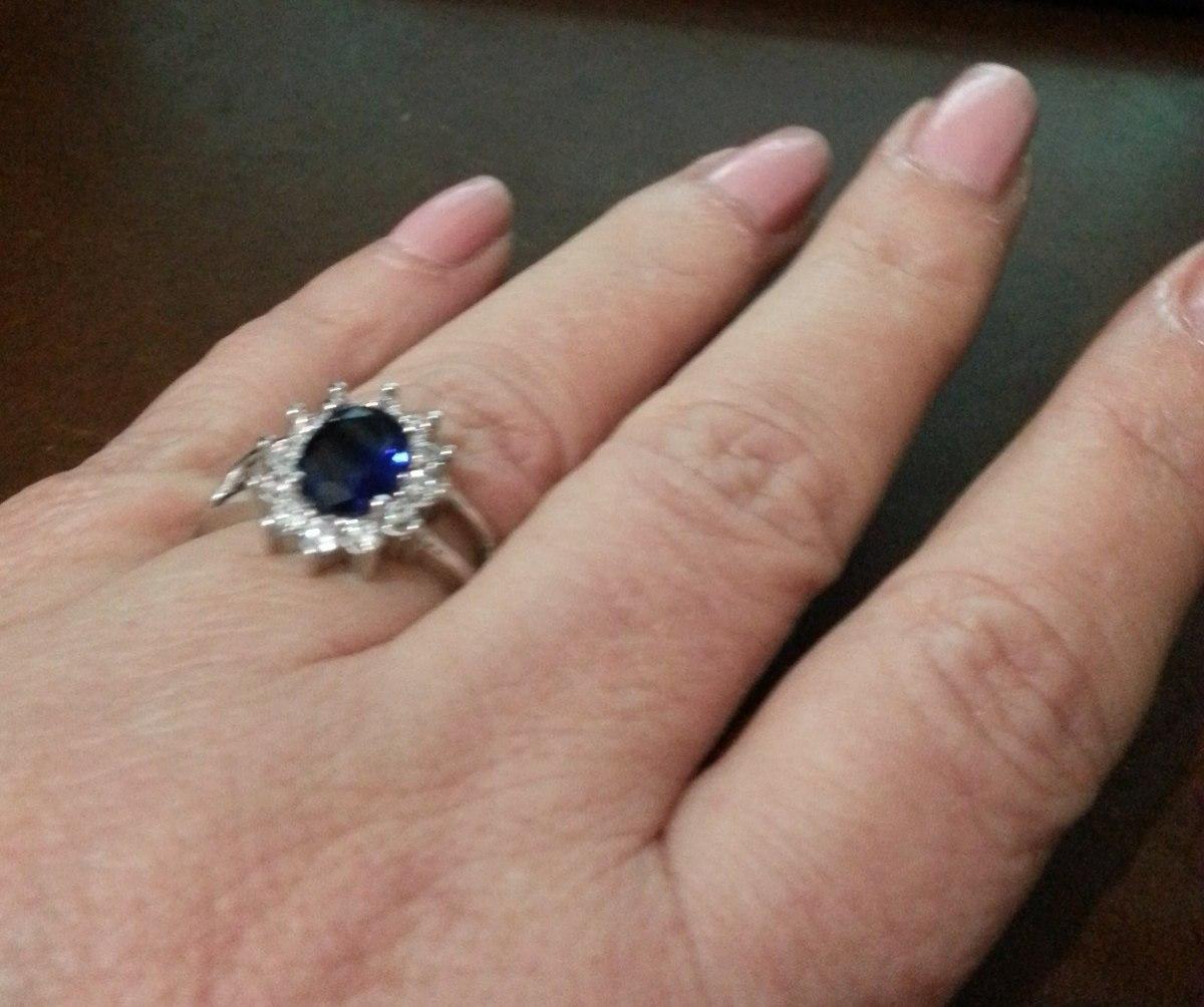 cab5cd60cb3 Anel Safira Azul E Safiras Brancas - R  650