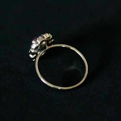 anel semi jóia folheado princesa com pedra oval contornada