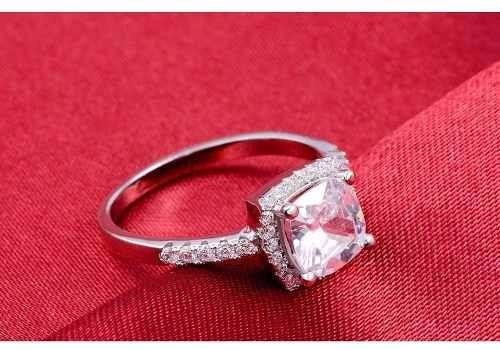 c7d9acb70939e Anel Solitário Com Diamante Cz Compromisso - R  121