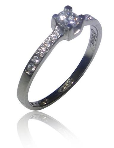 anel solitário de 20 pontos de diamante de qualidade.