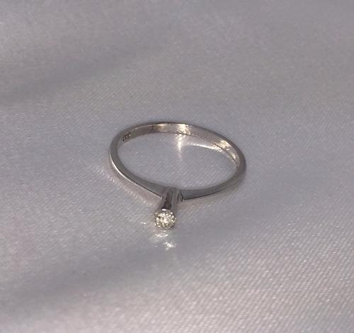 anel solitário de ouro branco 18k e brilhante de 8 pontos!