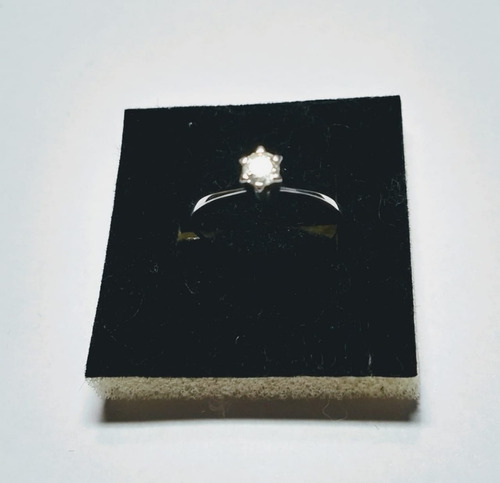 anel solitário em ouro e diamante
