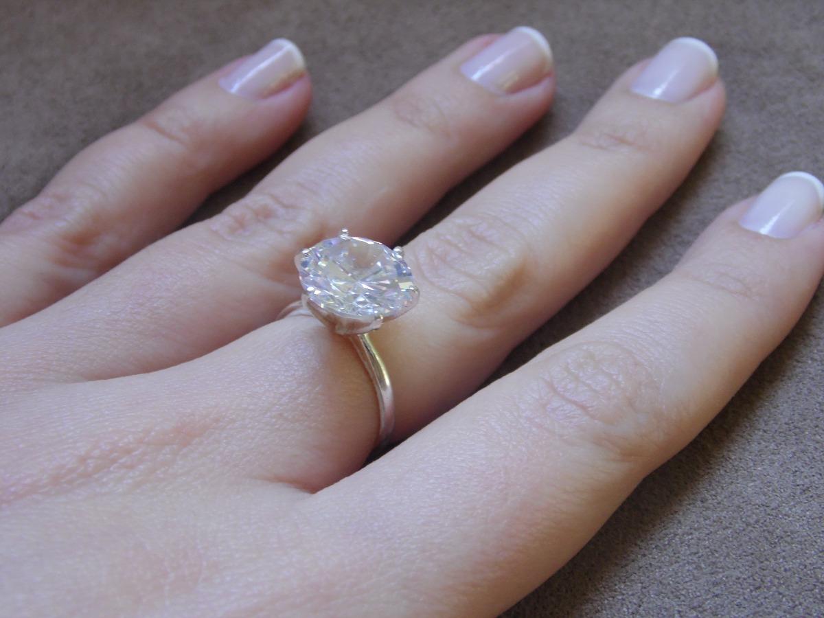 1ba39591216b9 anel solitário em prata com zircônia - pedra média. Carregando zoom.
