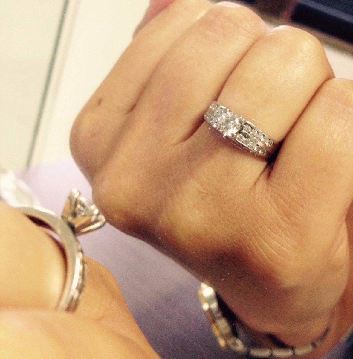 1541a8b7a71b8 anel solitário luxo diamantes 80 pontos. central 40 pontos. Carregando zoom.