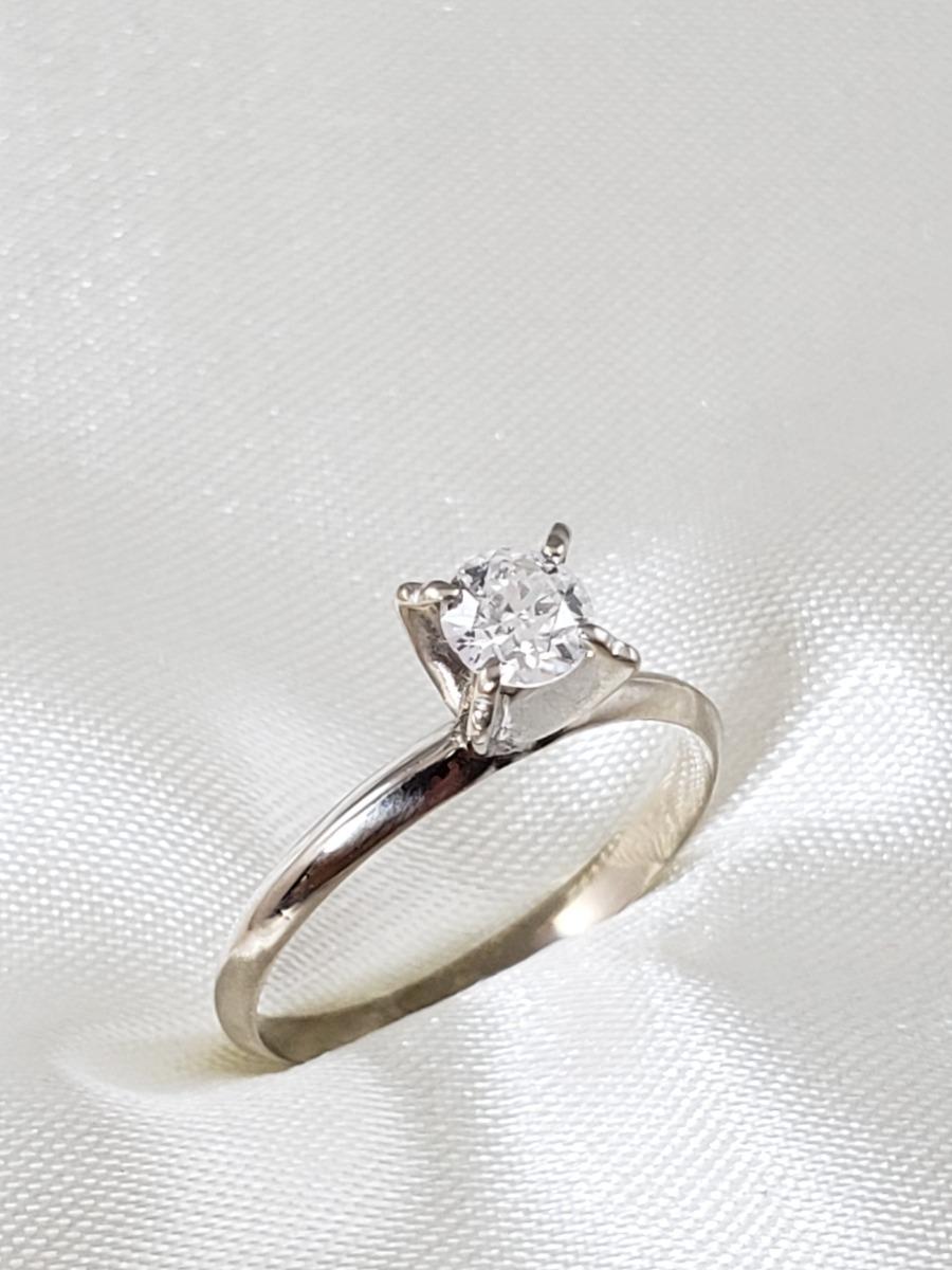 6bd55b70b6d33 anel solitário moderno ouro branco com diamante de 40 pontos. Carregando  zoom.