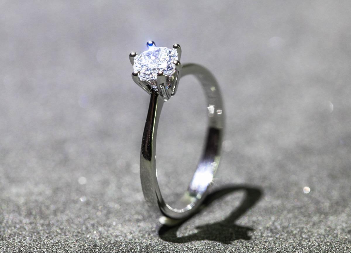 fad0a2987d27e anel solitário prata com cristal de zircônia. Carregando zoom.