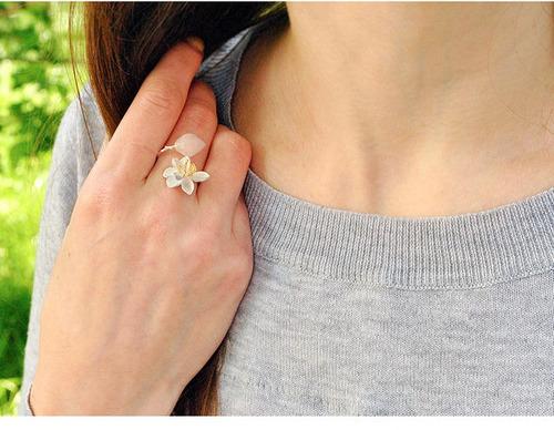 anel sussurros de lótus (rosa) -  feito à mão em prata 925