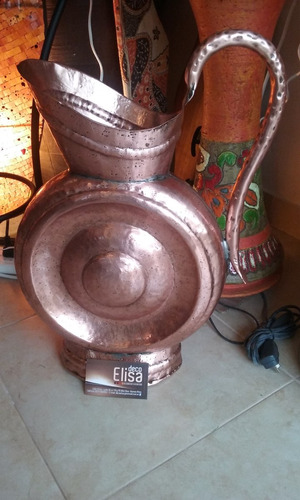 anfora antigua de cobre