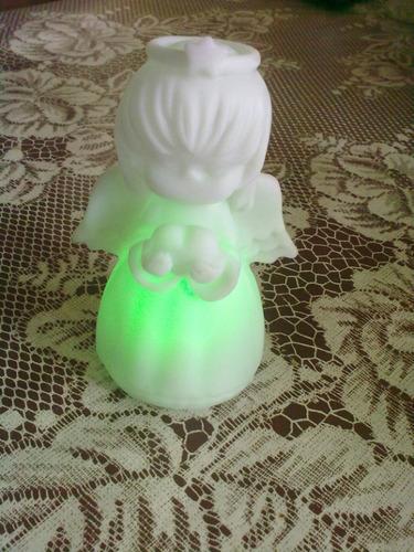 angel con luces de colores subasto