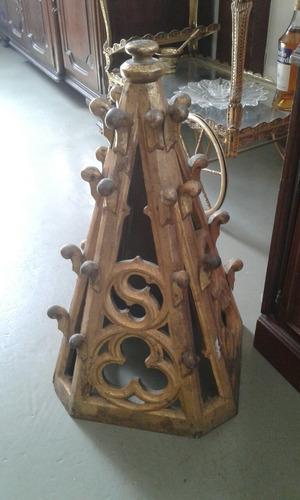 angel de la guarda en madera tallada.