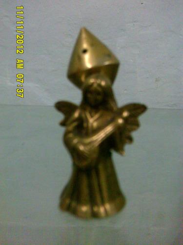 angel en bronce 8 cenrtimetros de alto aprox.