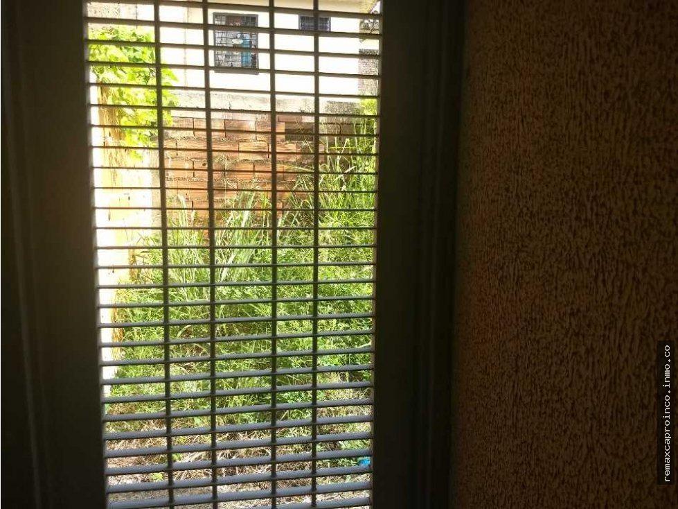 angel y raiza  vende casa flor amarillo    1673140