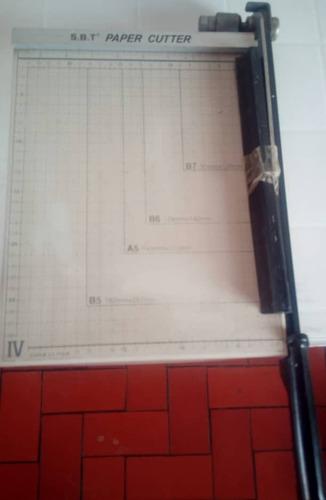 anilladora y cortadora de papel guillotina