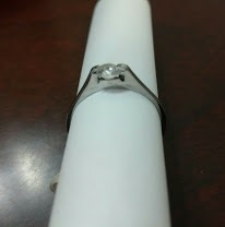 anillo acero con zirconia