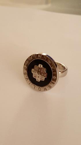 anillo acero cruz de san benito