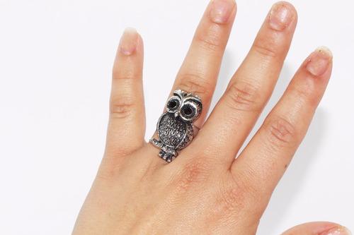 anillo acero dama vintage plateado búho con grabados ase392
