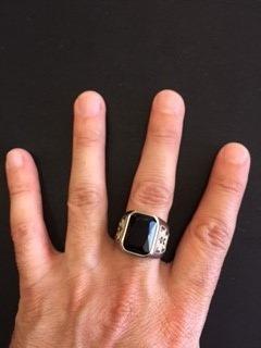 anillo acero piedra