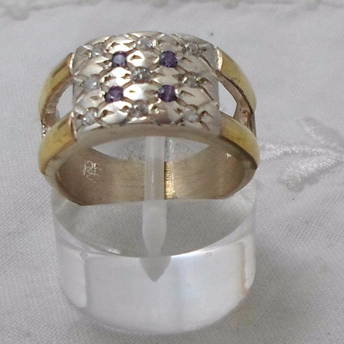 bea642fbe161 anillo ancho plata y oro 18 kts con varios circones. nro 14. Cargando zoom.