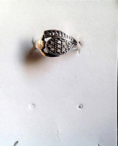anillo bañado en plata.