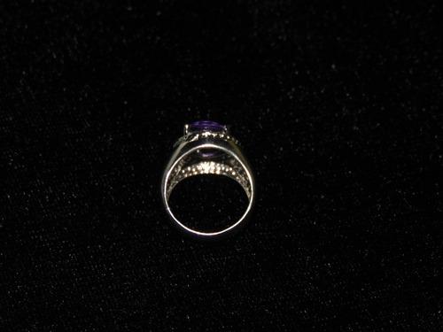 anillo chapa de plata con amatista sintetica.