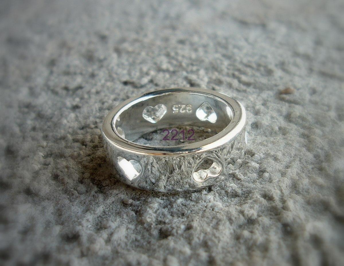 ab511b038cc7 anillo cinta corazones calados plata 925 mujer corazon h t18. Cargando zoom.