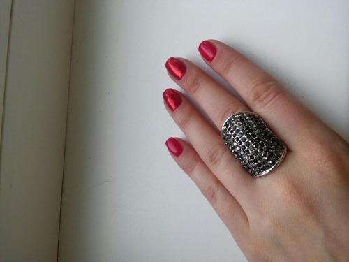 anillo colosal enchapado oroblanco / aranyjoyas