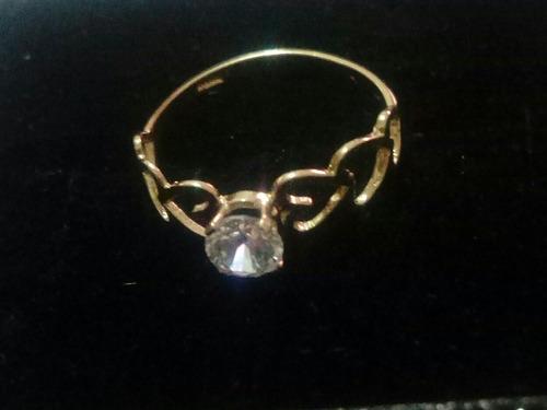 anillo compromiso con 3corazones a cada lado