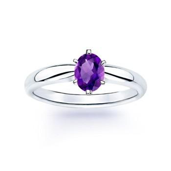 anillo con amatista natural oval de 2.29 ct. en oro de 14k.