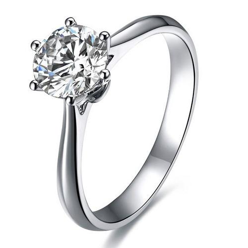 anillo con moissanita redonda de 1,00 cts en oro de 14k.