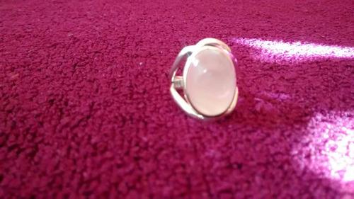 anillo con piedra cuarzo rosa plata