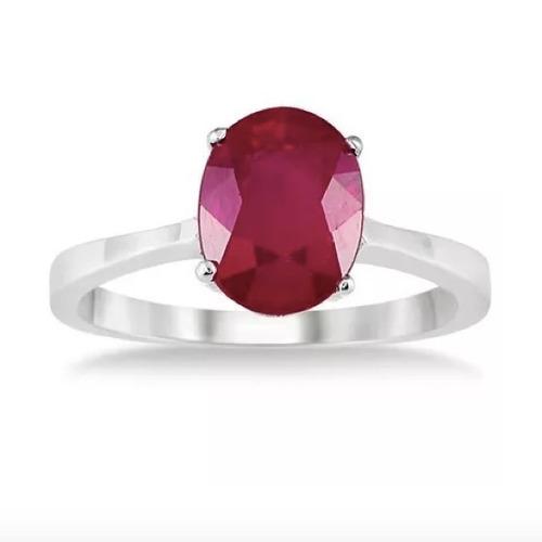 anillo con ruby natural corte oval de 5.81 cts.