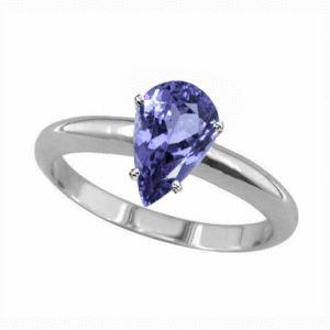 anillo con tanzanita natural de  .64 cts. en oro de 14k