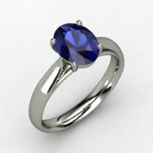 anillo con zafiro azul natural de 1.10 ct.en oro blanco 14k