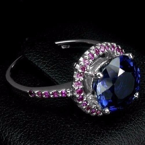anillo con zafiro naturall azul de 5ct. ct.