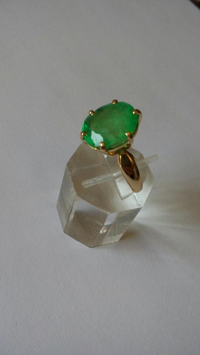 390b14667046 anillo dama oro 14kts con esmeralda oval 7.07 quilates. Cargando zoom.