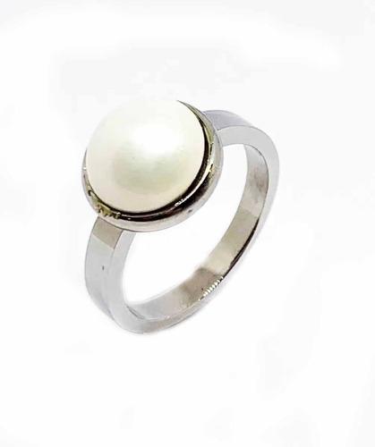 anillo de acero con piedras naturales