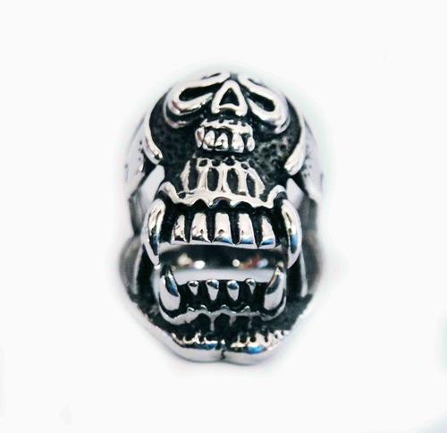 anillo de acero de calavera con colmillos skpalace excelente