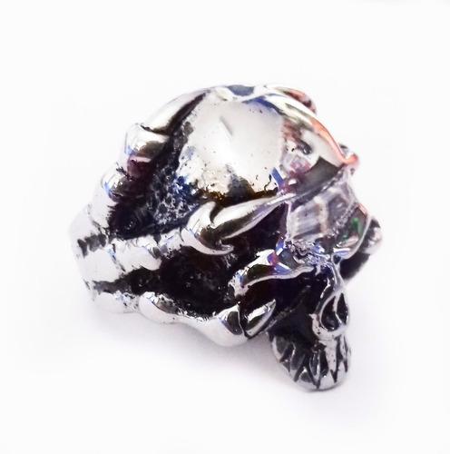 anillo de acero de calavera entre garras skpalace excelente