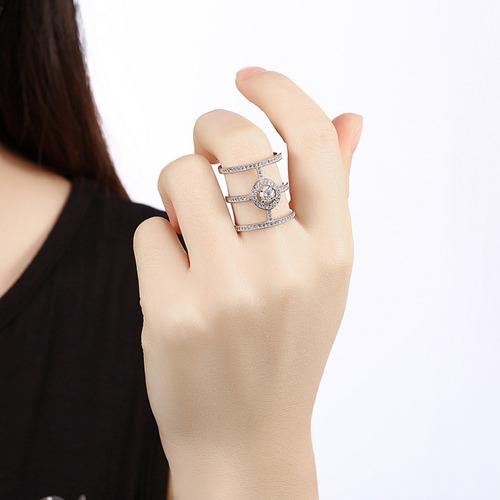 anillo de acero inoxidable con piedreria zirconia, elegante