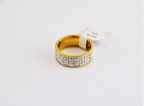 anillo de acero quirúrgico grueso con piedras de strass