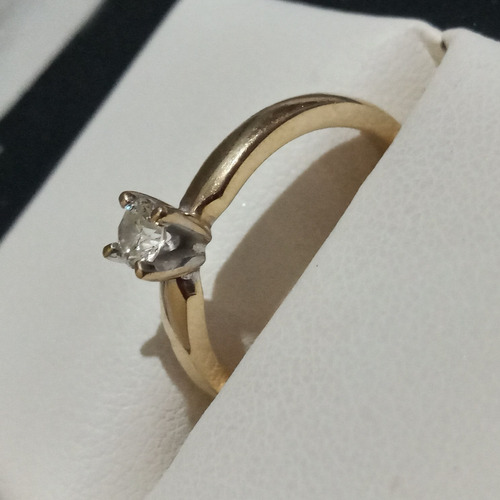 anillo de compromiso