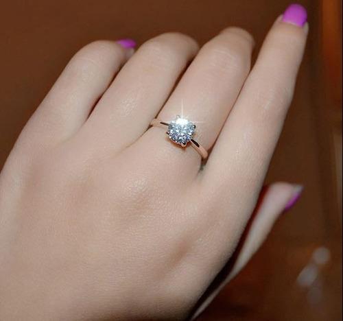 anillo de compromiso bañado en oro 18k